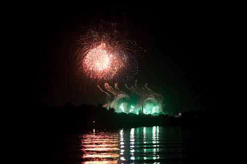 Fireworks3-web